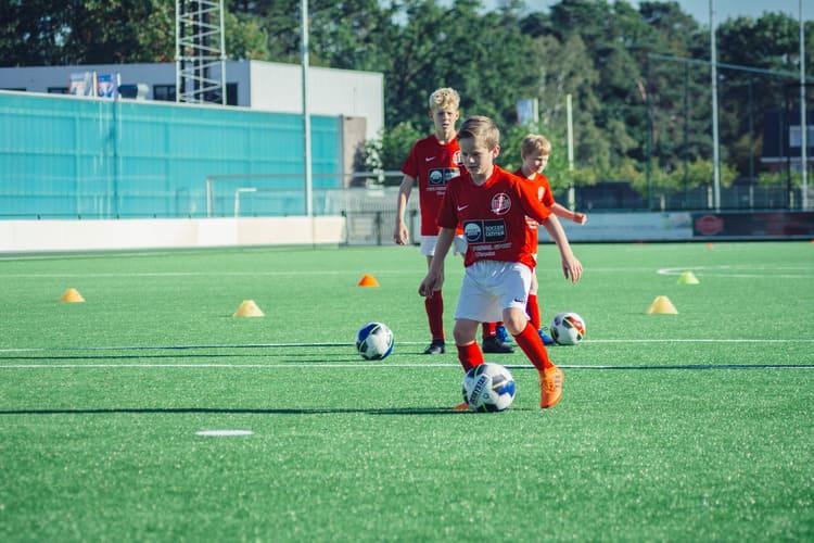 De-Utrechtse-Voetbalschool-Techniektraining-03