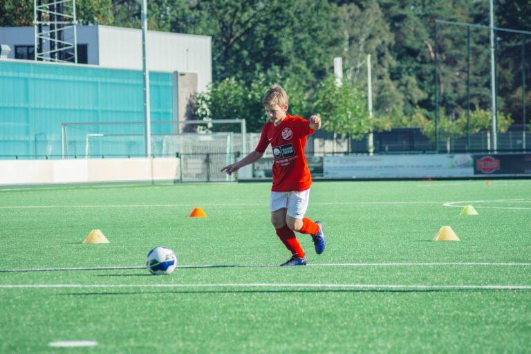 De-Utrechtse-Voetbalschool-Techniektraining-slider-001