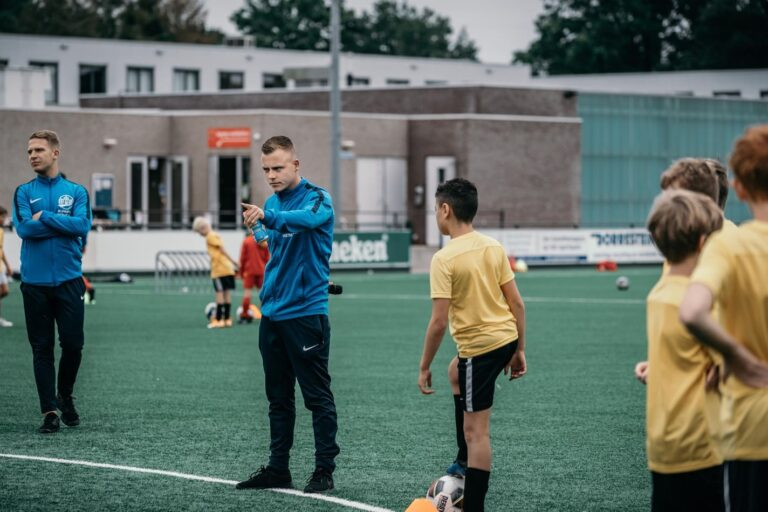 De-Utrechtse-Voetbalschool-Voetbalkampen-slider-005